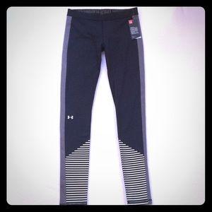 Women's Under Armour stripe leg leggings sz small